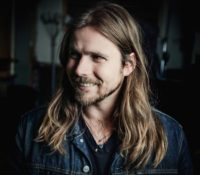 LUKAS NELSON CALLS IN ON FRIDAY NIGHTS WITH RIKKI